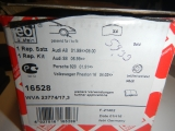 Bremsbeläge Audi A8/S8 VA 16528  4D0698151L